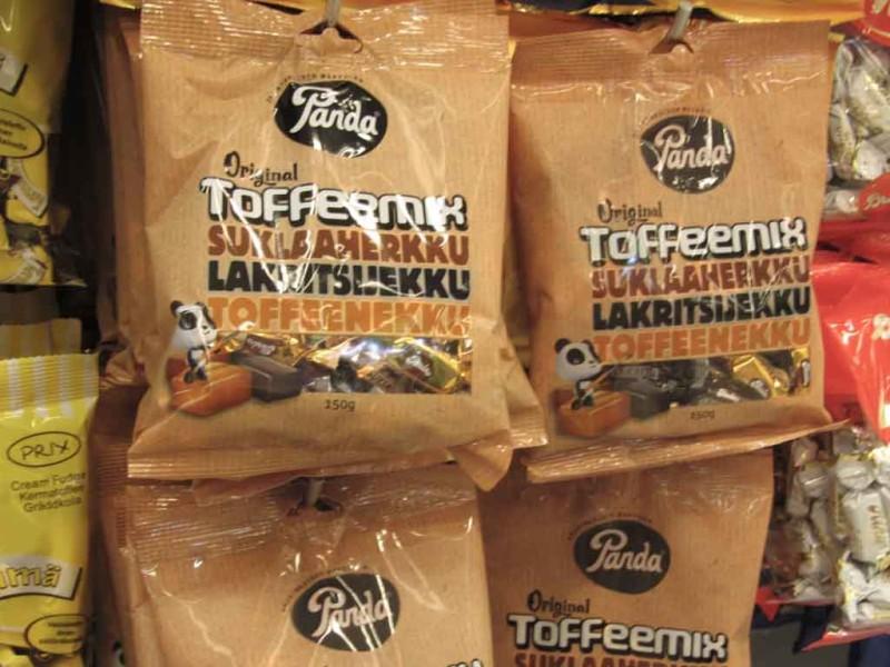 Kalevi iirised Panda pakendis. Kalev ja Panda kuuluvad Norra päritoluga Orkla kontserni.