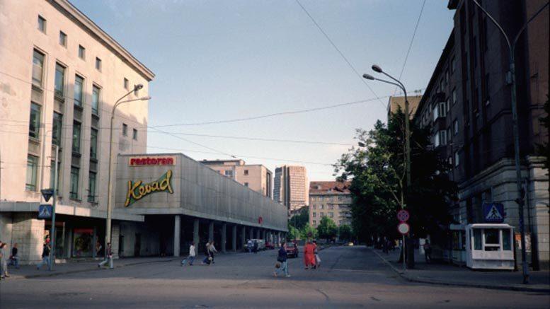 Kaubamaja-katu elokuussa 1992