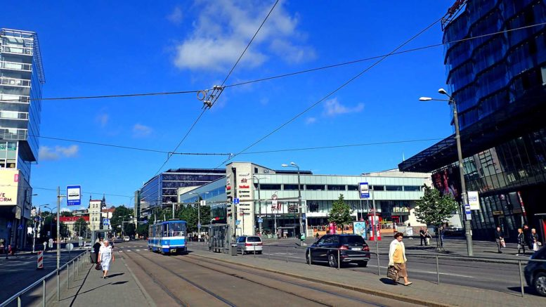 Hobujaaman pysäkki – Tallinnan raitiolinjojen solmukohta