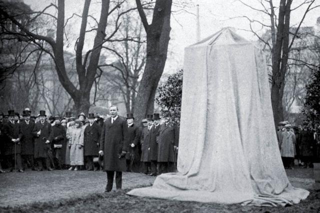 Vironkävijäin muistomerkin paljastus 27.5.1923